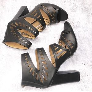 Bamboo Black Open Toe Sandals Size 10